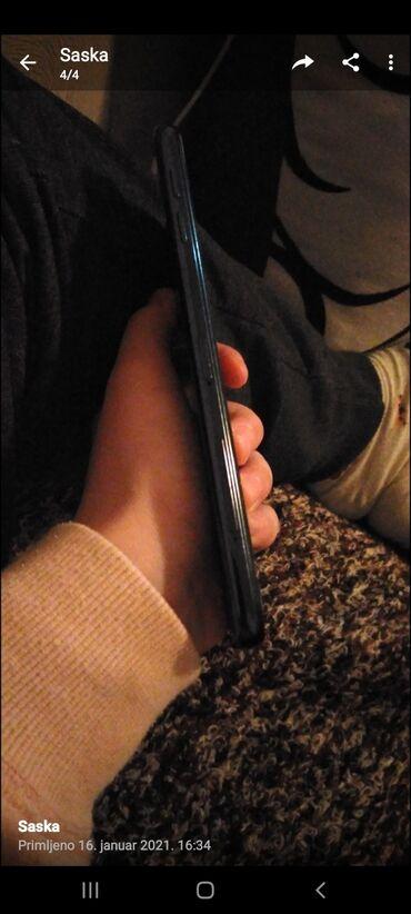 Upotrebljen Samsung Galaxy J4 Plus crno