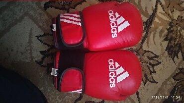 боксерские-перчатки-на-заказ в Кыргызстан: Боксерские перчатки Почти новые использовано 4 - 5дней