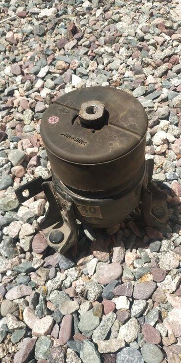 Центральный подушка двигателя на Тойота Камри 45-50