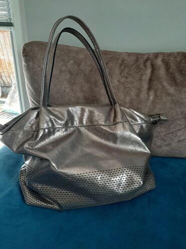 Sivi broj - Srbija: Sivo-braon, tamno drap torba ili metalik boje, presijava se. Mekana