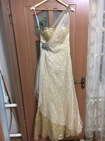 ленточки для подружек невесты в Кыргызстан: Продаю 3 разные золотые платьяподойдут для подружек невесты или