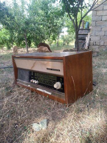 1973 cu il original VEF RADIO su temire ehtiyaci var