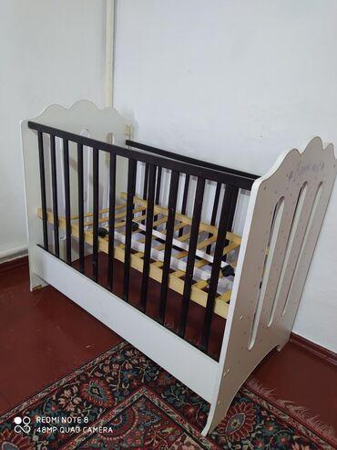 Детская кроватка в хорошем состоянии