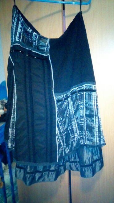 Suknja M/L. Nosena, bez tragova ostecenja