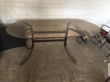 Стол 2 метра на 1 метр. Стеклянный. В хорошем состоянии в Бишкек