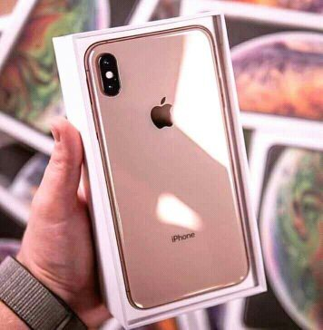 Brand New Apple Mobile iphone Xr 256GB With Full Accessouries in box σε Αξιούπολη