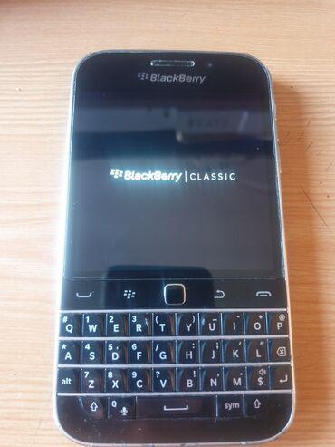 Blackberry - Кыргызстан: Продаю сенсорный тел BIackBerry американец цена5000с
