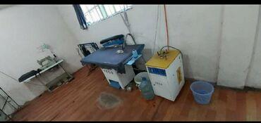 Стол в аренду - Кыргызстан: Здаю 100кв швейный цех в аренду на длинный срок .8- прямой строчки2-