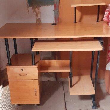 детская кровать компьютерный стол в Кыргызстан: Продаю компьютерный стол