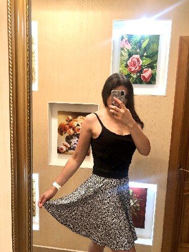 Юбка SINSAY 48-50    Стильная юбка из хлопка. Размер 48-50.   Бренд Si