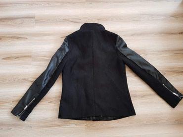 Женская молодежная куртка. Размер 36 / S в Бишкек