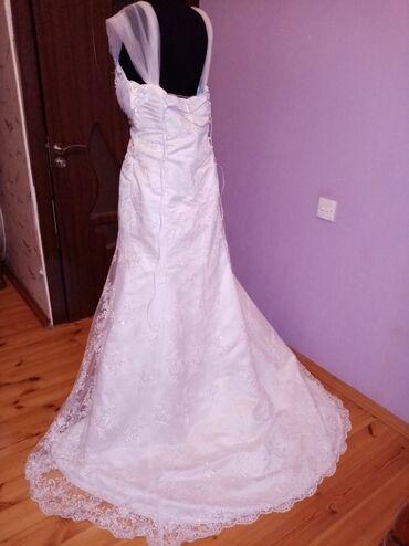 uzun gec paltarlari - Azərbaycan: Gelinlik satilir. Arxasi uzun qabag hisesi godekdi. 1000 man alinib