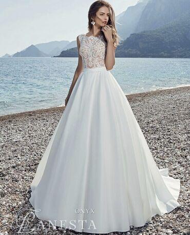 Свадебные фужеры - Кыргызстан: Продается свадебное платье, производство Италия, покупка в МСК.  🤍Сост