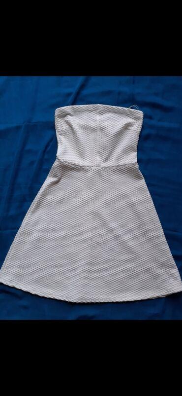 Haljine - Gornji Milanovac: Bershka letnja bela haljinica. Izuzetno očuvana, jednom nošena