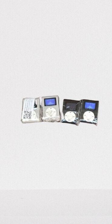 IPod и MP3-плееры - Кыргызстан: MP3 плеер. Встроенной памяти нет. Наушники и зарядное устройство в