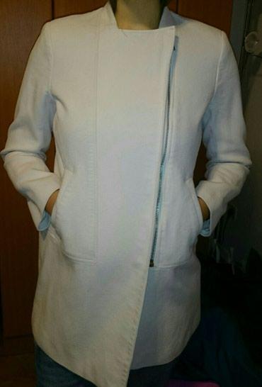 Svetlo bež ženska jakna veličina 42 - Ruma - slika 2