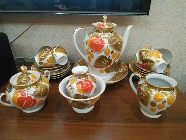 Продаю чайный сервиз. Куплен в советское время, стоял в шкафу. Без