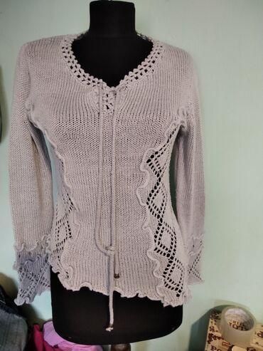 Majice na veliko - Srbija: Svetlo Siva prelepa majica nema velicinske oznake ali je 38
