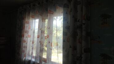 Продам шторы для детской комнаты. На белом фоне нарисованы персонажи