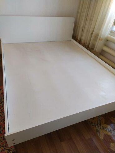 Гарнитуры в Кыргызстан: Продаю спальный гарнитур белого цвета,в отличном состоянии.В комплекте