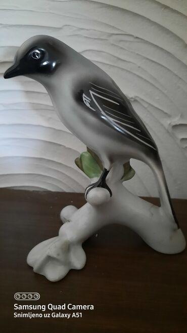 Porcelanska figura-ptica
