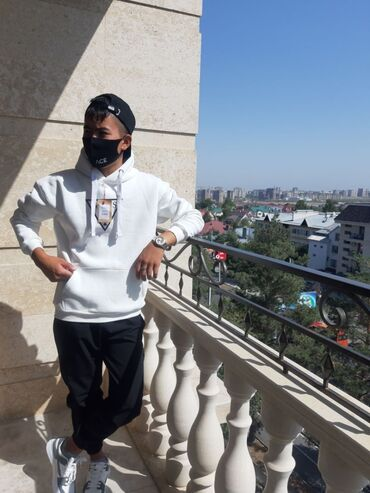 снять квартиру с подселением in Кыргызстан | ДОЛГОСРОЧНАЯ АРЕНДА КВАРТИР: Другие специальности