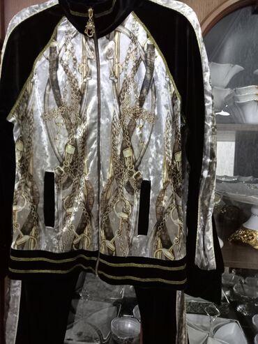 Креативный, велюровый костюм48-50 размеракстати я его так любила и
