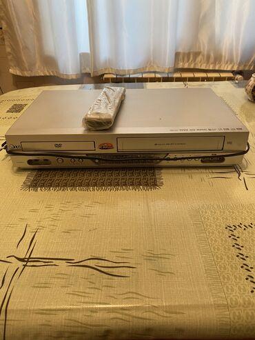 dvd караоке в Азербайджан: DVD satılır.Kaset yeri işləmir.30 AZN.Razılaşma yolu var