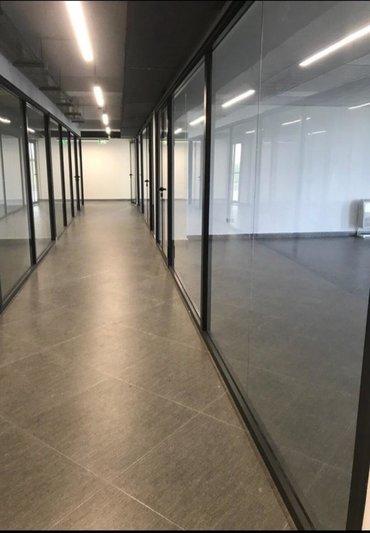 Сдаются офисы на длительный срок. 68 кв.м. С панорамными окнами. Без