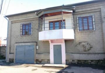 Bakı şəhərində Bakixanov qesebesi anaskin kucesinde,148 nomreli mektebe yaxin