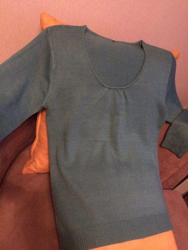 Женский свитер на 48-50 оазмер. 600с ь.  в Токмак