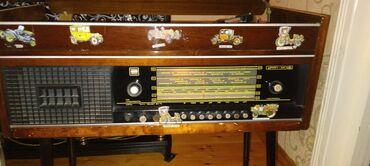 5729 elan   İNCƏSƏNƏT VƏ KOLLEKSIYALAR: 1977 ci ilin radio ve plak calaridi.islek veziyyetdedi.real alicilara