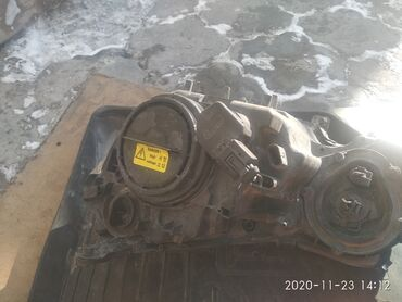 запчасти mercedes w124 в Кыргызстан: Мерс211 до рейстайл фара правая. На запчасть стекло сломан