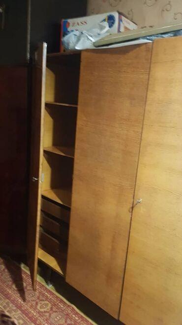 Шкаф плательный, стулья мягкие 3 шт