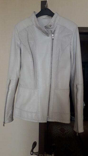 Куртки - Бежевый - Бишкек: Кожанная куртка Турция 36 размер (наш 42) бежевый цвет 1000с