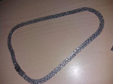 Ogrlicjako lepa od nerdjajuceg materijala lepo stoji odlicn jako - Loznica