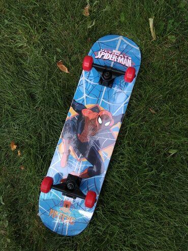 гиря 20 кг в Кыргызстан: Продаю профессиональный трюковой скейтборд с принтом Человека-паука