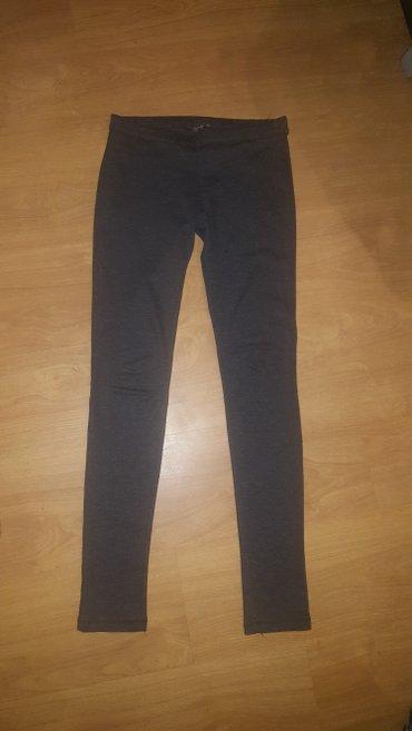 Bershka sive pantalone br. 28 - Prokuplje