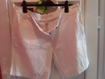 Pantalone-nisu-italiji - Srbija: Kratke pantalone od lana nisu nosene bele,,vidi slike