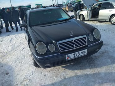 Продаю мерс 210 кузов 1999 автомат об 3.2 в Бишкек