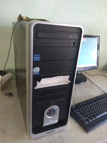 Продается ПК с комплектом Монитор клавиатура мышкаСистемникПроц:e5500