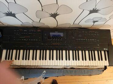 - Azərbaycan: Roland G800 tam işlək vəziyyətdə,professional sintezator işləmək