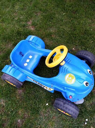 Decji auto na pedali u dobrom stanju od 2 do 4 godine za informacije
