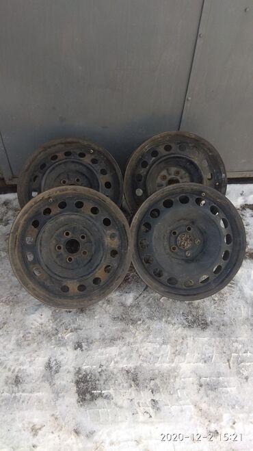 крашеные диски фото в Кыргызстан: Продаю диски 16, разболтловка 5на 100Диски подходят на Тойоту Авенсис