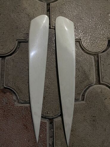 Продаю реснички на  Хонда INSPIRE Белый цвет  Цена за пара 1000 сом