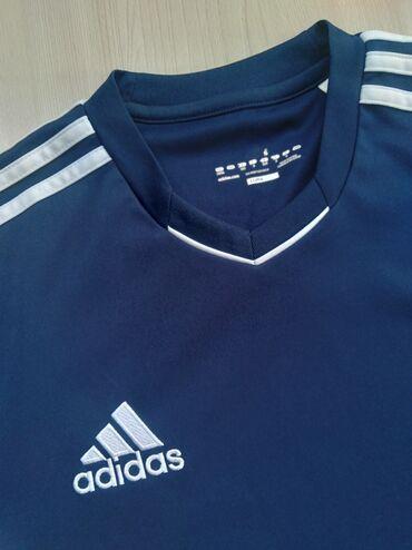 Мужская одежда - Кыргызстан: Продаю футболку adidas думаю что оригинал