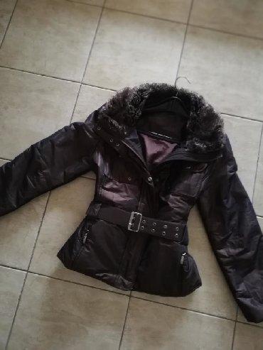 Zimska-jakna-sa-krznom - Srbija: Zimska jakna sa krznom. Vel s /m. Nova. Saljem post expresom. Rasproda
