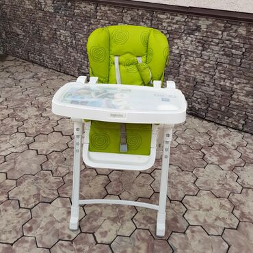 Стул для кормления пр-во Италия, покупали в Детском мире за 14000с