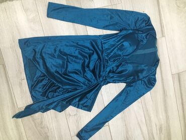Haljina st - Srbija: Italijanska haljina velicina SDuzina 82cmRamena 34cmGrudi 40cmStruk