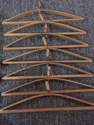 Продаю деревянные вешалки 1 шт 10 сом. В наличии 20 шт. в Бишкек